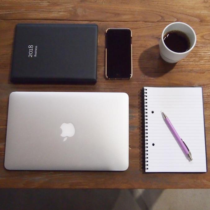 Table_laptop_phone_calendar_coffee